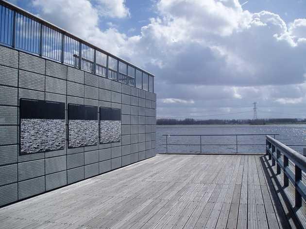Niels Schrader, Urban Hymns # 7 (2006) © Museum De Paviljoens