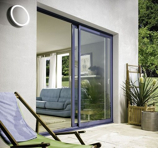 La scelta degli infissi in alluminio è molto diffusa grazie alle caratteristiche del materiale che è largamente utilizzato nell'edilizia.