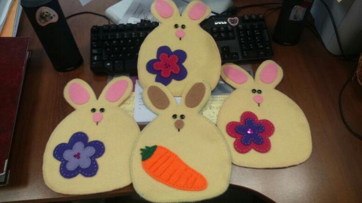 Conejos nido, para rellenar con huevitos de chocolate :)