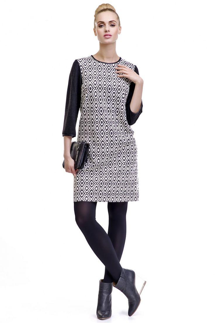 Tunic dress with geometric print and black sleeve