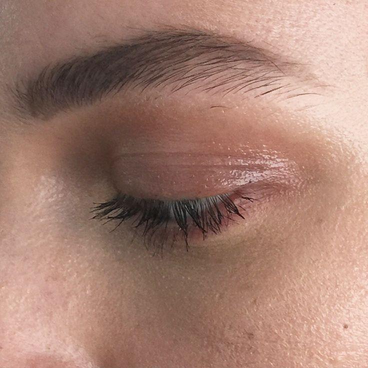 Natural glossy eye by me!! zoekarlismakeup.com.au