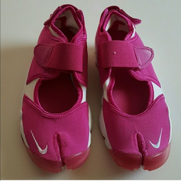 Women's Nike Air Rift size 8 Women's Nike Air Rift Brand new purchased from another posher but they are too small for me size 8 they did not come with a box. I'm just trying to get my money back what I paid. The left foot has a tiny white thread on it. Nike Shoes Sneakers