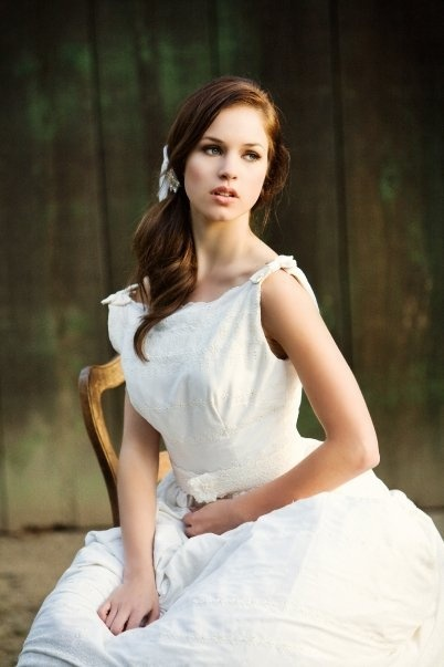Alexis Knapp as ana steele?