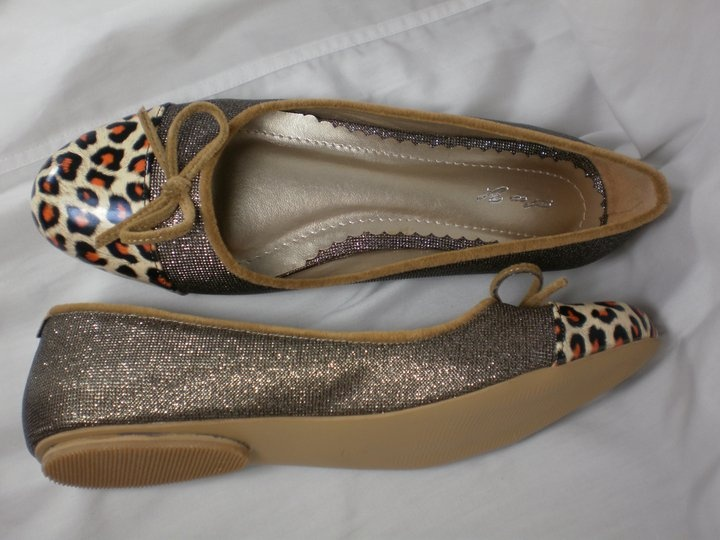 Flat shoes -- brown only IDR 125.000