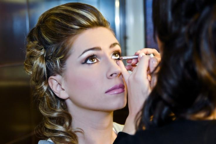 Make up artist Αναστασία Αντωνοπούλου | επαγγελματικό μακιγιάζ νυφικό μακιγιάζ, σχηματισμός φρυδιών