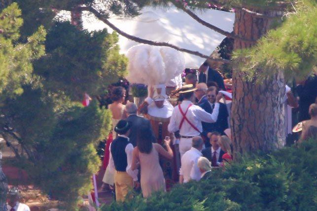 La festa di nozze offerta da Alberto di Monaco a Palazzo Grimaldi è stato un tipico garden party a base di finger food