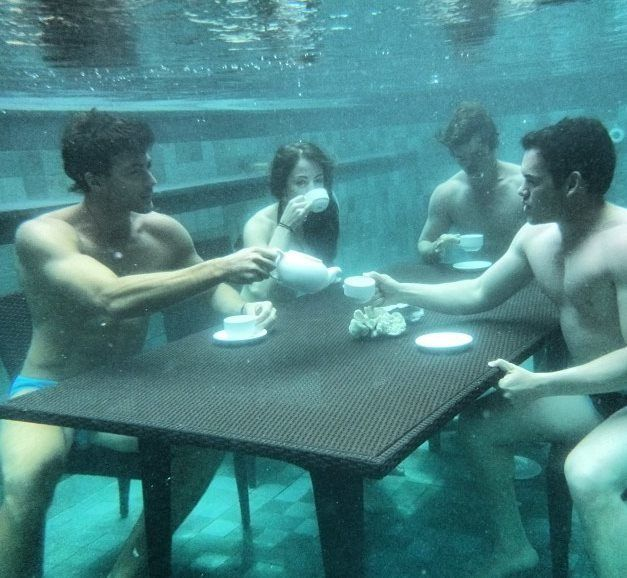 www.thegilibeachresort.comWhat better way to start the day on Gili Trawangan Island, than with an underwater tea party.  - Art Hlavac Green