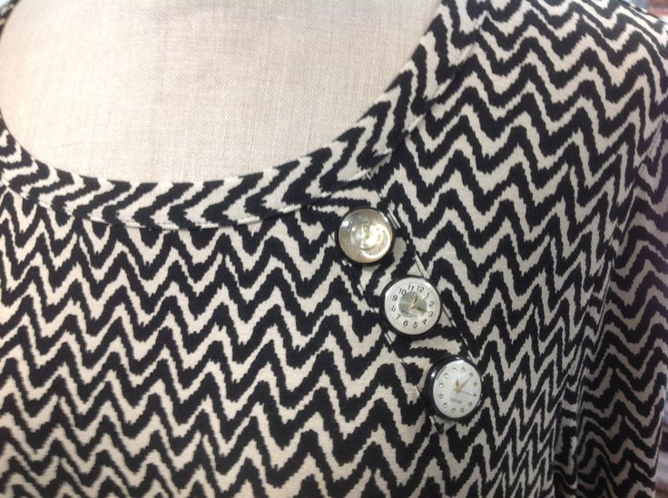 Reliefbyjunker.dk Jersey with buttons from old watches.