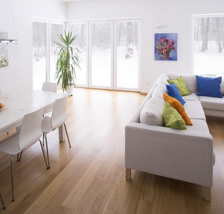 Red oak flooring can give your home a sleek and modern look. Shop this flooring online: https://www.creekandhollow.com/hardwood-flooring/red-oak-flooring/