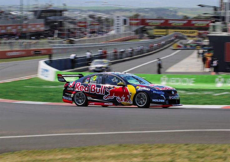 Jamie Whincup through Hell Corner at The Bathurst 1000 2015.