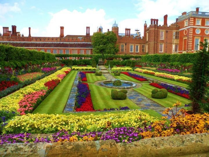 Formal English Gardens Related Keywords Suggestions