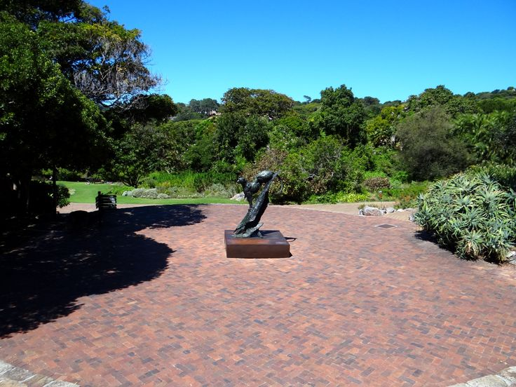 There are some truly fantastic art sculptures to be found in the gorgeous Kirstenbosch gardens.