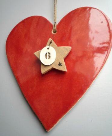 plus gros coeur, avec dentelle traversante, avec coeur rouillé suspendu et médaille de vélo...