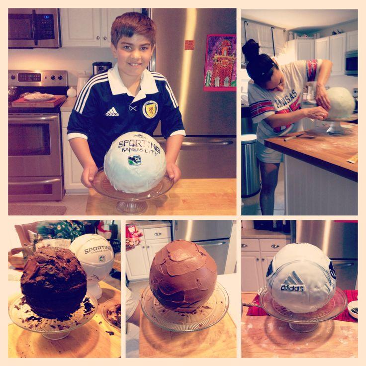 soccer ball birthday cake!