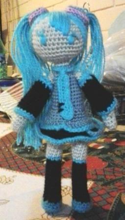 Hatsune Miku amigurumi. Pedido especial de mi sobrina. Patrón obtenido desde eltallerdecoser.blogspot.com.es