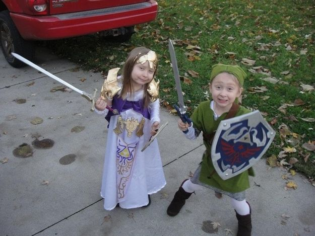 Link and Zelda |  Parents Who Nailed It On Halloween