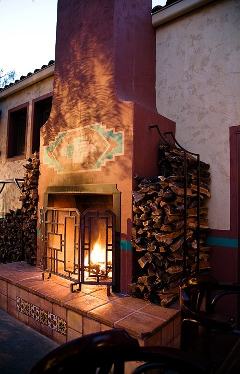 Fireplace Patio #lagrandeorangecafe