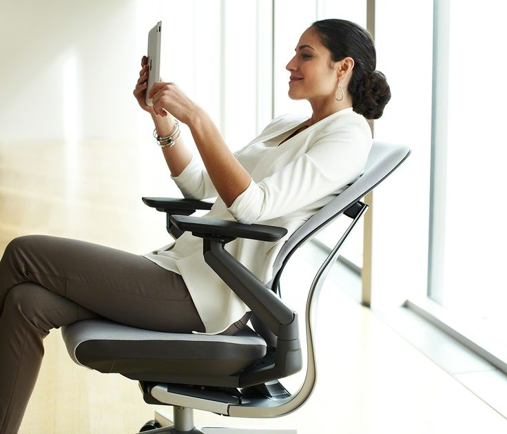 Steelcase photographed 2000 people in 11 countries to study their posture. With the Gesture, you're sitting the way you want!