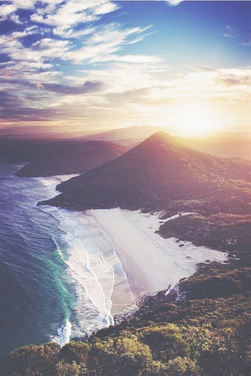 Картинки через We Heart It #beach #beautiful #blue #clouds #Dream #escape #forest #free #grunge #hipster #indie #Island #landscape #mountain #nature #ocean #paradise #photography #rock #sand #sky #stone #summer #sun #Sunny #sunset #swim #travel #tree #water