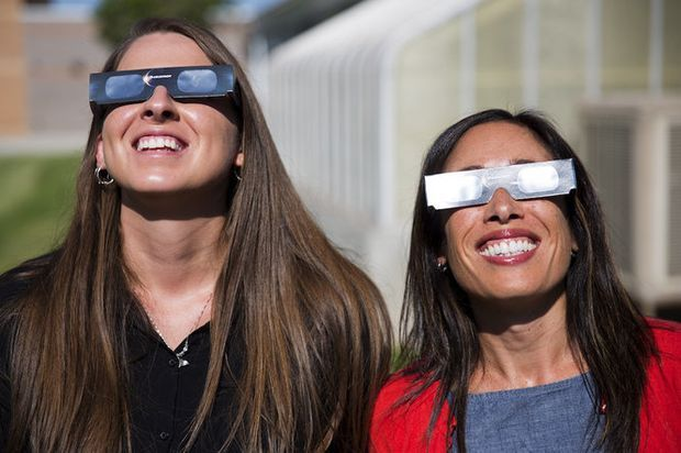 Where to get solar eclipse glasses, and how to tell if they meet safety requirements http://trib.al/roErcE9