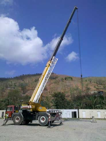 We were fortunate enough to get access to this crane in Timor for our practical training.