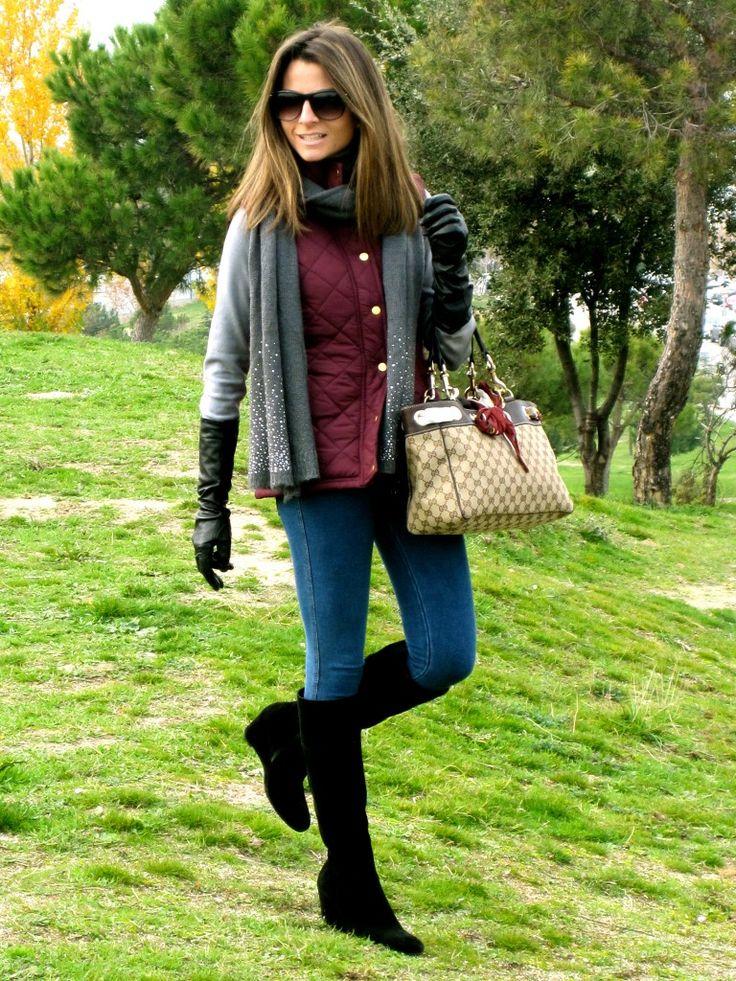 Fashion and Style Blog / Blog de Moda . Post: My Burgundy Vest from Primark / Mi Chaleco Burdeos de Primark See more/ Más fotos en : http://www.ohmylooks.com/?p=6255 by Silvia García Blanco