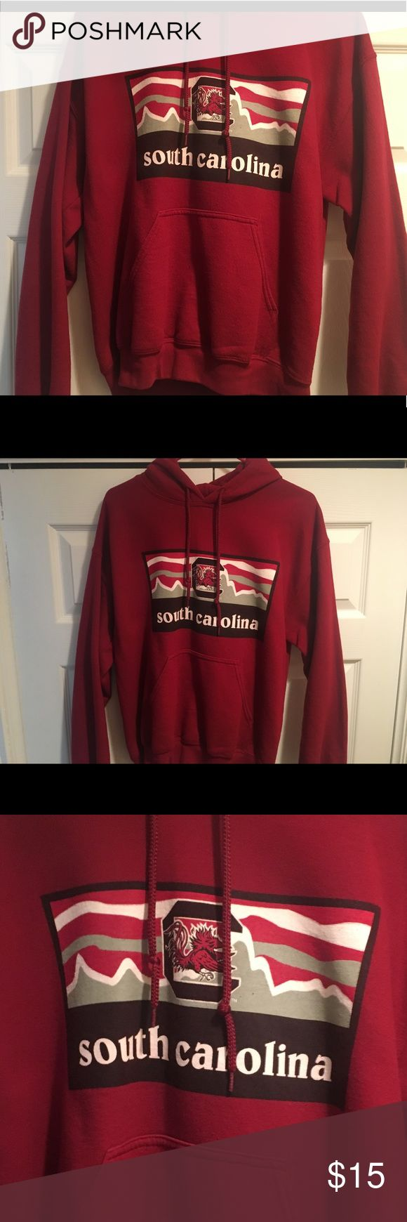 USC Patagonia INSPIRED Logo Hoodie - Worn - Sold at Palmetto Moon but no longer available in ANY Palmetto Moon stores OR online (I work at Palmetto Moon so I know this for sure) - Patagonia INSPIRED logo, not actually a Patagonia hoodie Gildan Tops Sweatshirts & Hoodies