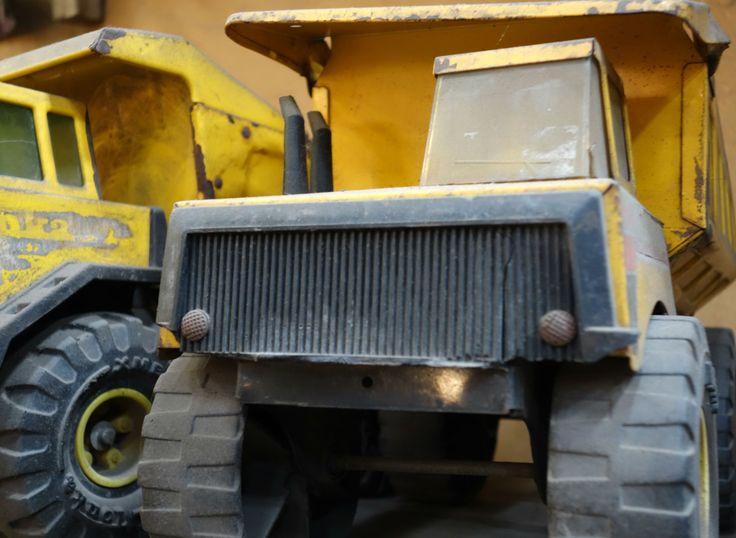 Tonka dump trucks, Sonia Carroza Antiguedades