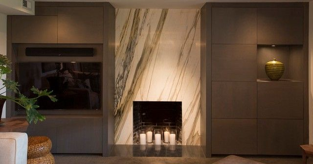 Облицовка камина мрамором Statuario Venato. White marble fireplace. http://www.jet-stone.ru/izdelija/zakazat-kaminy-iz-mramora-mramornye-kaminy-na-zakaz