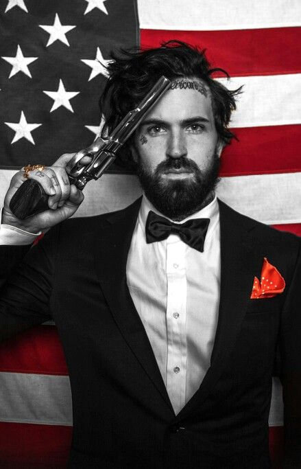 Yelawolf god i find him way to attractive