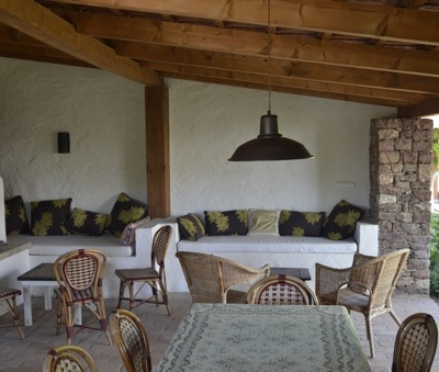 Káli Cottages at Lake Balaton - Outdoor kitchen couch