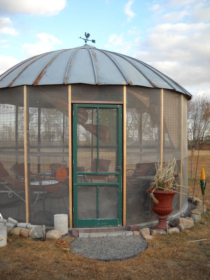 corn crib gazebo, bug free!