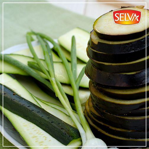 Patlıcan, karaciğer ve pankreasın çalışmasını düzenler. Bu leziz sebzeyi sevenler kimler?