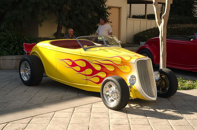 1933 Ford High Boy Roadster - yellow pearl with flames