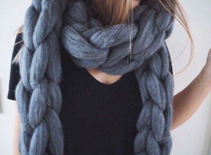 Oversized Merino Wool Scarf - Arch Detail by VIDA VIDA 76Y2IkQjW