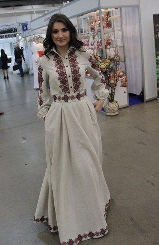 вишита сукня в українському стилі
