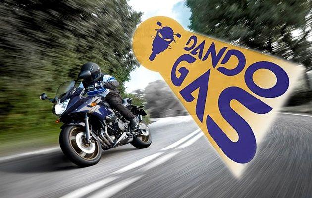 Dando Gas es una tienda de complementos para para ti y tu moto, en ella
