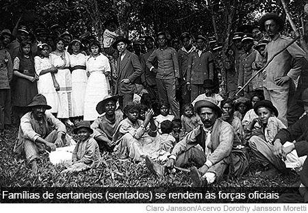 Guerra do Contestado – Sertanejos após a rendição. Canoinhas (SC), janeiro de 1915