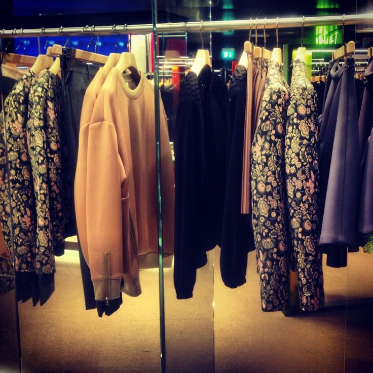 DISPLAY MSGM PRE FALL ON EXCELSIOR MILANO!