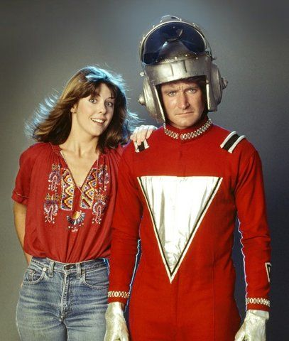 Flashback / Mork (Robin Williams) from the 80s tv show, Mork & Mindy