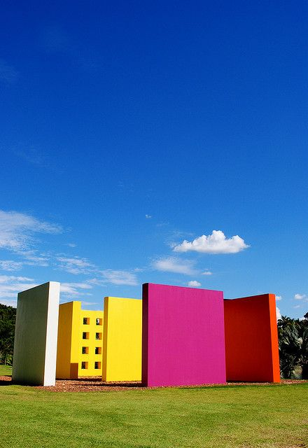 """Invenção da cor, Penetrável - Hélio Oiticica was a Brazilian visual artist, best known for his participation in the Neo-Concrete group, for his innovative use of color, and for what he later termed """"environmental art"""", which included Parangolés and Penetrables, like the famous Tropicália."""