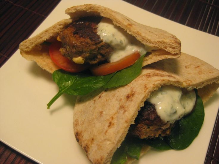 My Thermomix Kitchen - Blog for healthy low fat Weight Watchers friendly recipes for the Thermomix : Lamb Pita Burger with Yoghurt Mint Sauce