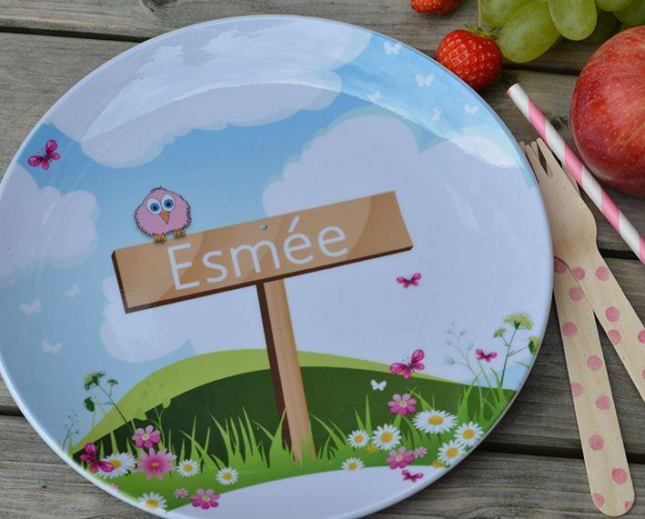 Een melamine bordje in stijl van het geboortekaartje. Een leuk en origineel #kraamcadeau.