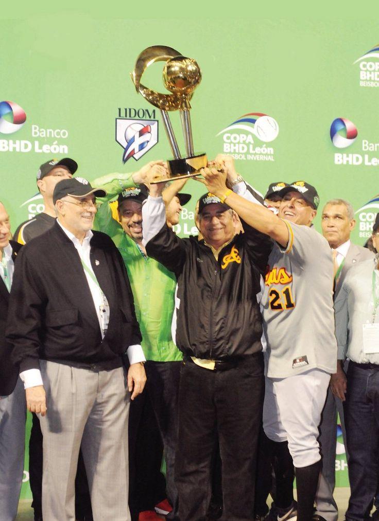 #ACTUALIDAD ¡AGUILAS CAMPEÓN!: Follow @DonfelixSPM  Las Aguilas del Cibao se coronaron campeonas del Torneo de Beisbol Profesional…