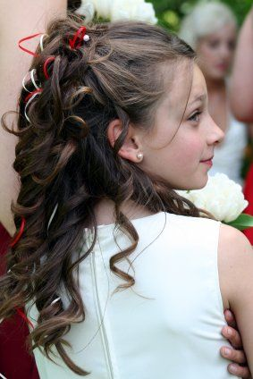 I think this would look adorable on my baby girl for communion -   Flower girl half up/ half down hairdo