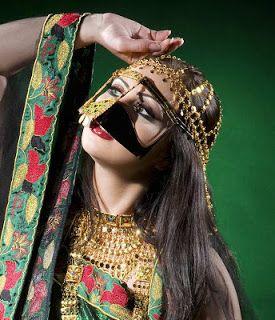 How To Live Like an Omani Princess: Omani traditional Dress from ...