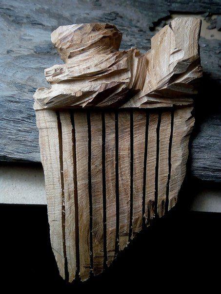 Гребешок для волос в процессе создания. Вишня. ------------------- В нашей мастерской можно заказать эксклюзивные изделия из дерева широкого спектра: мебель, предметы интерьера, освещение, садово-парковая архитектура, скульптура, аксессуары и многое другое. ------------------- +79162886376