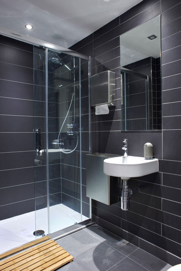 Best 25 grey wall tiles ideas on pinterest grey tiles - Bagni per uffici ...
