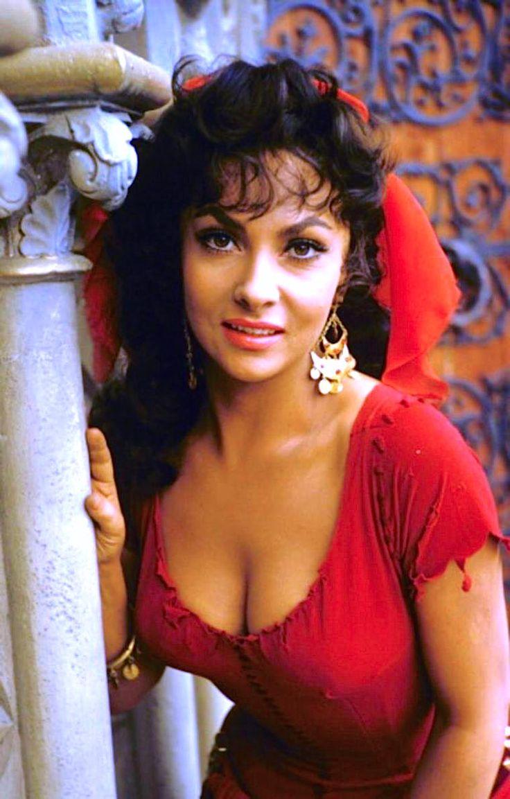 Italian- Esmeralda - Gina Lollobrigida