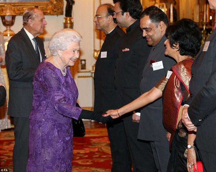 Królowa Elżbieta, Książę Edynburga, Księżna Kate, Książę William, Książę Walii, Księżna Cornwalii,Księżna Diana, Książę Harry